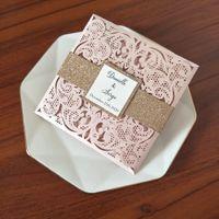 Tarjetas de invitación láser de impresión personalizada de color rosa claro con banda de vientre de brillo y etiqueta bricolaje brillo brillo ducha nupcial invitaciones