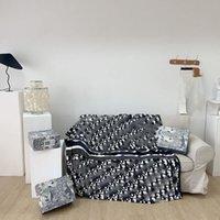 Tüm Mevsim Tasarımcılar Battaniyeler Lüks Mektup Baskı Battaniye Yetişkin Çocuklar Halı Ev Tekstili Yatakları Malzemeleri