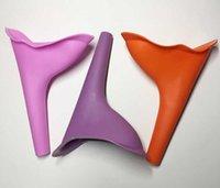 جديد منتجات الحمام المنزلية المحمولة النساء في الهواء الطلق الدائمة البول معدات التبول سيليكون بالجملة