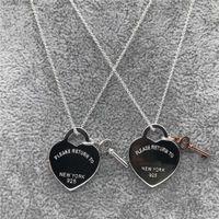 Nuevo Original 925 Silver Love Necklace Charm Heart Colgante Colgante 1: 1 Llavero Mujer DIY Hearm Charm Joyería Regalo Cadena de clavícula Y0817