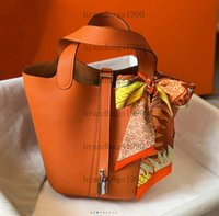 Super Soft Genuine Leather Bag Designer handbags Real Cowskin Fashion Bucket bags come with lock scarf horse charm Dust Women Tote