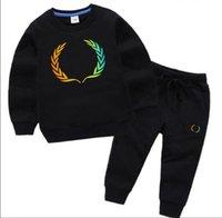 Marka Lüks Tasarımcı Bebek Sonbahar Giysileri Set Çocuklar Erkek Kız Uzun Kollu Hoodie ve Pantolon 2 adet Suits Moda Eşofman Kıyafetleri