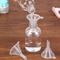 مصغرة بلاستيكية صغيرة قمع عطر السائل الضروري النفط ملء شفافة قمع المطبخ بار أداة الطعام ZZE6029