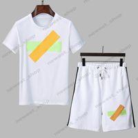 I più nuovi uomini estivi Designer Tracksuits Sets Mens Moda Lettera Stampa Abiti da corsa T-shirt manica corta Camicia sportiva Shirt sportswear Top Shorts