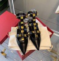 VA6 2021 Fashion appuntito tacchi alti tacchi vestito scarpe femmina designer cinturino rivetto sandali casual pantofole piatte con scatola