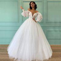 Sexy Boho Beach A Line Pearls Wedding Gowns Spaghetti Straps Overskirt Plus Size White Satin Bridal Dresses Front Split Sweep Train robe de mariée