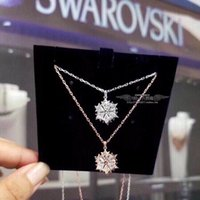 necklace Shi Family romantic snowflake rose gold nelace with Swarovski element crystal pendant and clavicle chain