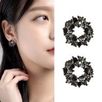 Clip-on & Screw Back 2021 Fashion Black Flower Round Earring Clip For Woman Girl Earcuff Without Piercing Gift Zircon