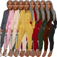 Woman Hooded Tacksuits Two Pieces Outfits Sweatpants Designer Velvet Fabric Zipper Jacket Sportswear For Winter 2021
