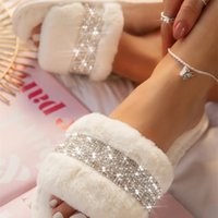 Winter Luxury Women Warm Fur Slippers Cozy Fluffy Furry Slides Crystal Flat Indoor Slides Design Home Shoes Ladies 210915