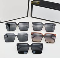 2021 Projeto de marca Óculos de sol Mulheres Homens Designer de boa qualidade Moda Metal Oversized Vintage Masculino Masculino UV400.