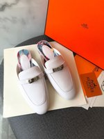 Desinger 클래식 로즈 골드 플랫 뮬러 하프 슬리퍼 신발 새로운 가죽 바오 토우 슬리퍼 착용 뮬러 캐주얼 여성 패션 신발 Size34-42