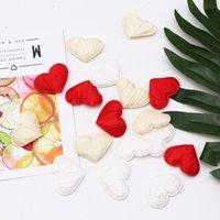 60 adet 35mm Beyaz Kırmızı Krem Kırışıklık 3D Sünger Saten Kumaş Kalp Yaprakları Aksesuar Düğün Masa Yatak Sevgililer Dekorasyon Parti