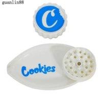 Accessori per fumatori Biscotti 40mm con imbuto 2 in 1 smerigliatrice foglia forma plastica sigarette smerigliatrici erba frantoio