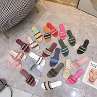 Kadın Terlik Tasarımcı Nakış Sandalet Bayanlar Marka Yaz Düz Slaytlar Açık Plaj Kadın Terlik Renkli Harfler Kutusu Ile Slayt