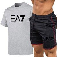 2021 صالة رياضية 100٪٪ تي شيرت + شاطئ السراويل مجموعات المطبوعة رياضية الصيف الدعاوى عارضة الزى الرجال ماركة الملابس قمم تيز S-XXL