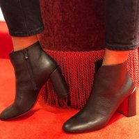 2020S Woman Chunky Heels Boots Casual Plain Leather Elegant Style High Heel Boot Luxurys Designers Women Reds Bottom Red Soles Lady Shoes