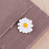 Bonito Metal Badge Branco Daisy Flor Primavera Páscoa Easter Esmalte Lapela Pin Broches Mulheres Meninas Crianças 638 T2