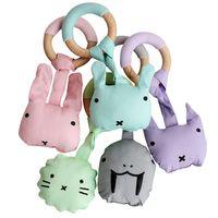 나무 플러시 딸랑이 Teether 장난감 아기 젖니가 링 부드러운 면화 곰 토끼 모양의 봉제 장난감 자연 나무 반지