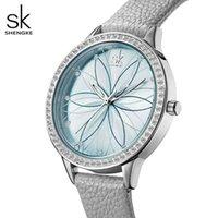 Designer Luxury Brand Relógios E Mulheres E Linear Flores De Couro De Superfície Es Caixa de Cristal Japão Movimento de Quartzo Reloj Mujer Montres Femmes