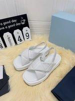 الصنادل المصممة الإيطالية 2021Platform أحذية السطح الجلد الأغنام المستوردة وبطانة لإظهار أرجلك الطويلة