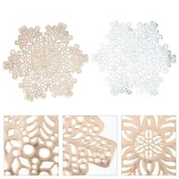 Mats & Pads 2pcs Christmas Snowflake Placemat Hollow-out Heat Insulation Table Mat