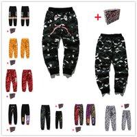 Мужские брюки, голова акулы, камуфляж карман, светящиеся звездные неба повседневные брюки, женские пары досуг луча ног охранник брюки, отражающие цвет граффити шить 0101