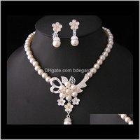 Conjuntos entrega de queda 2021 Branco Diamante Pérola Colar Brincos Conjunto de dama de honra nupcial belas jóias de casamento vestidos de casamento Aessórios F406H