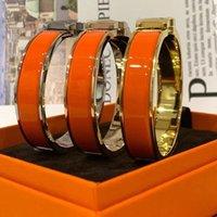 최고 수준 디자이너 에나멜 316L 티타늄 강철 편지 팔찌 팔찌 연인 약혼 남자와 여성들의 럭셔리 보석 상자 PS8280