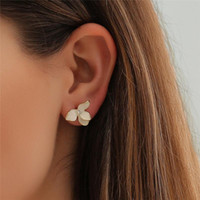 Stud Fashion Jewelry Three-dimensional Matte Ear Clip White Flowers Crystal Flower Earrings Perforated Female Elegant Earring 2021