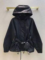 Moda donna Giacche Cappotto Autunno Inverno Lady Designer Giacca con cintura Lettere eleganti Stampa con cappuccio Vento a vento Womens Streetwear Cappotti S-L