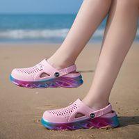 Más reciente MENS mujer entrenador deportes Tamaño 44 Zapatillas de verano transfronterizas zapatos de playa Suela gruesa Pareja Agujero zapato al aire libre Baotou Sandals Código: 25ll-7790