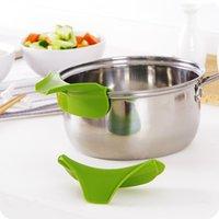 Silikon-Gieß-Auslauf-Slip auf Suppe-Sput-Trichter für Töpfe Pfannen und Schüsseln Gläser Küchen-Gadget-Tool-Küche CCF6339