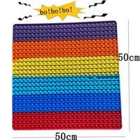 50 cm Super Big Big Tamaño Fidget Toys 40 cm 30 cm 20 cm Burbuja de empuje para el colgante del tablero del colgante de la bolsa de la bolsa Rainbow de Juguete de Alivio Anti-Estresa