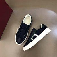 Alta qualità Desugner Men Shoes Luxury Brand Sneaker Guida Basso Guida di tutto il tempo libero Style Style Style Up Less with Box sono US38-45