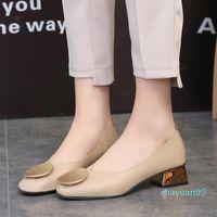 2021 taille plus femme robe chaussures chaussures carrées talons moyens pompes pompes femme ronde bateau en métal bas