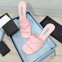 2021 Fábrica Venta directa zapatillas de mujer Fashion Square Head Real Cuero Tacón medio vestido de novia Street Show Show 6,5 cm con el tamaño de la caja 34-41