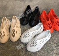 Corredor de espuma Zapatos de Clog Sandalia Triple Negro Blanco Caqui Moda Slipper Mujeres Mens Tainers Playa Sandalias Slip-On
