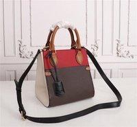 고품질 여자 가방 패션 트렌드 가방 Luxurys 디자이너 가방 가방 새로운 어깨 그물 캐주얼 휴대용 여자 가죽 가방 스퀘어 슬링 LM22