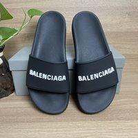 Top Qualität Herren Womens Hausschuhe Sommer Gummi Sandalen Strand Rutsche Mode Raster Dreidimensionale Font Indoor Schuhe Größe 36-46 mit Box