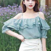 Frauen Blusen Hemden Frauen Bluse 2021 Sommer Mode Rüschen Perle Schreibender Slash Neck Top Hemd mit Riemen Kurzwatte Harajuku