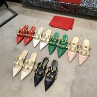 Fashion Women Flat Sandals Designer Pointed Toe Cover Big Willow Nail Casual Metal Golden Rivets Genuine Leather Sole Sootheze Slipper Classic Shoe