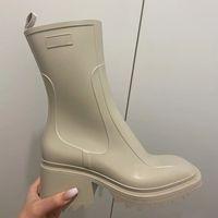 Lüks Tasarımcı Bayan Yarım Çizmeler Ayakkabı Kış Tıknaz Med Topuklu Düz Kare Toes Ayakkabı Rainboots Zip Kadınlar Orta Buzağı Booty Aşınmaya Dayanıklı Kalın Taban Boot