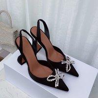 Luxo designer alto salto alto apontou sexy uma linha sandálias sandálias mulheres banquete de seda superfície 10 cm oco arco diamante grandes mulheres sapatos 42/35
