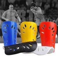 1 Çift Futbol Shin Pedleri Plastik Futbol Korumaları Bacak Koruyucu Çocuklar için Yetişkin Koruyucu Dişli Nefes Shin Guard 695 Z2