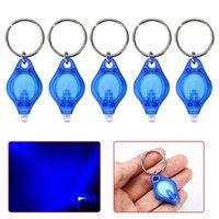 Mini passeports Keychain Keychain Key Key Torche LED Lampe lampe de lampe de poche Détecteur de lumière Ultraviolet Bague de monnaie FGTCE 852 Z2