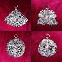 Miao Township Dong Village Village Stile etnico Gioielli FAI DA TE Accessori fai da te Miao argento vecchio ricamo cappuccio vestiti e borse Accessori Argento-