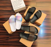 2021 Zapatillas para mujer Mujeres Diapositivas Slipper Summer Sexy Sandalias para hombre Lujos de lujo Diseñadores de cuero Real Plataforma Pisos Sandalias Top Fashion Old Flowle Shoes Ladies Beach
