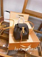 2021 Sırt Çantaları Kadın Tasarımcılar Lüks Çanta Moda Okul Omuz Çantası Klasik Öğrenci Kolu Çanta Kabartmalı Çiçekler Erkekler Yüksek Kaliteli Sırt Çantası Deri