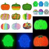 Resplandor en la oscuridad Halloween Pumpkin Fantasma de dibujos animados Pulsero Pop Pop Fidget Toys Kids Niños Burbuja Burbuja Popular Juego Puzzle Finger Learning Party Regalo G96jarv